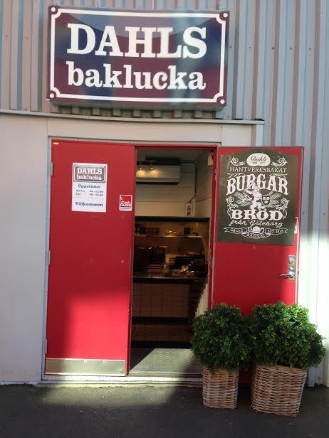 Dahls Baklucka, ett av ställena där bröd hämtas