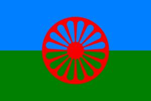 Romska flaggan: Ska illa behandlade romer hyllas långt i efterhand?