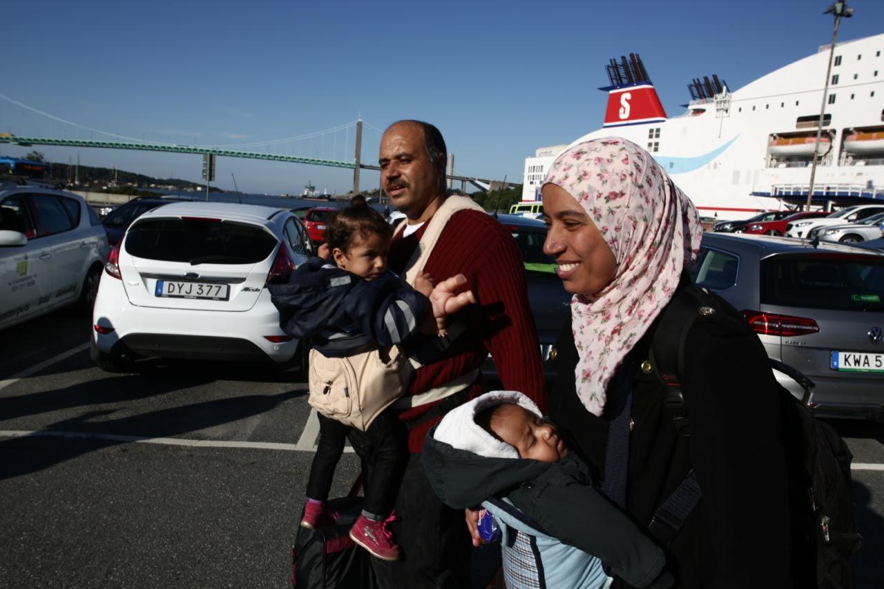 Familjen Hazim är i Sverige efter 16 dagar på flykt genom Europa från Syrien. Foto: Joakim Roos