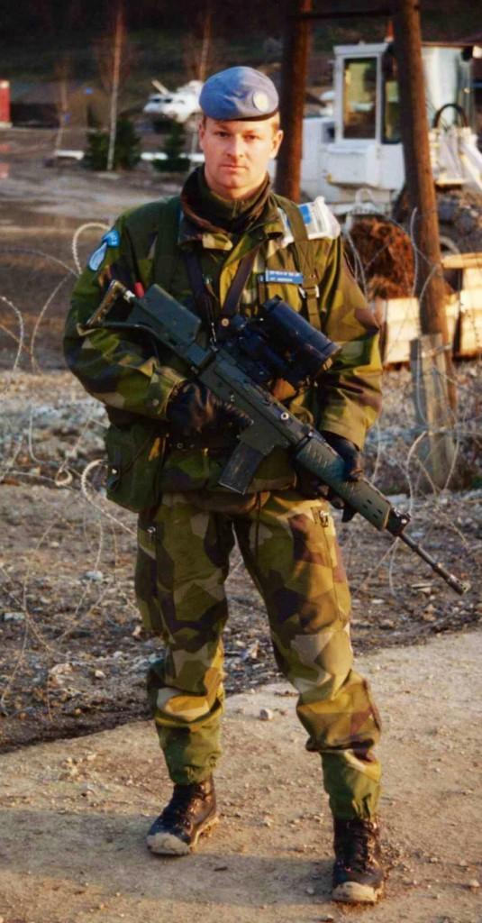 Jonas Andersson i nästan full mundering. FN-hjälmen saknas på bilden. Foto: Jonas Andersson.