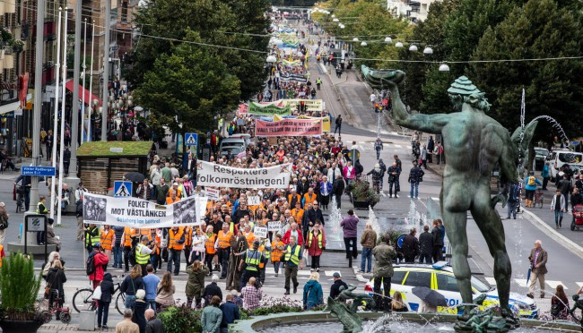 Göteborg 20170909FOTO:Per WissingDemonstration mot Västlänken från Gustav Adolfs Torg till Götaplatsen