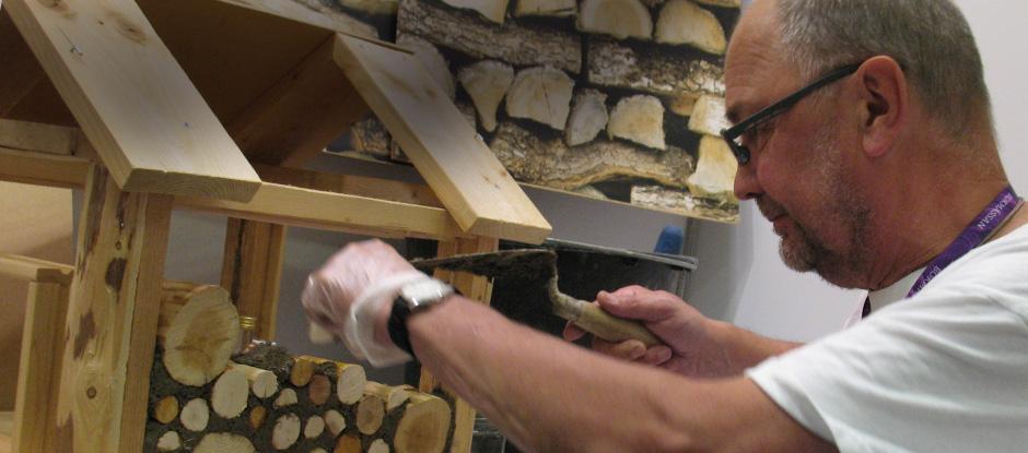 Olle Hagman visar hur man bygger